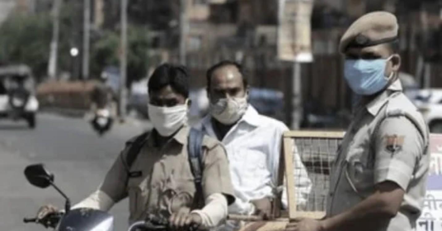 Masques réutilisables distribués gratuitement