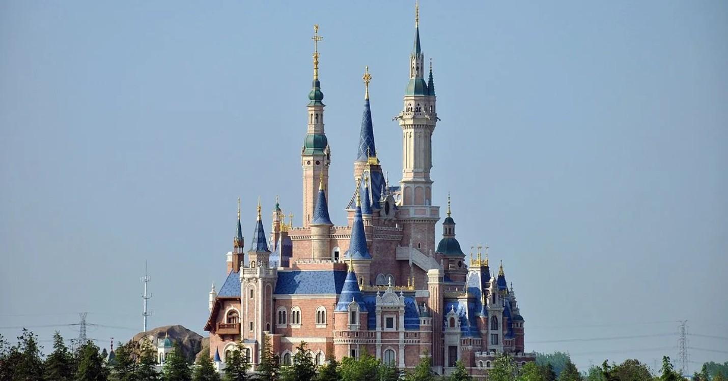 Réouverture de Disneyland à Shanghai, l'exposition annuelle sur Tian An Men interdite à Macao