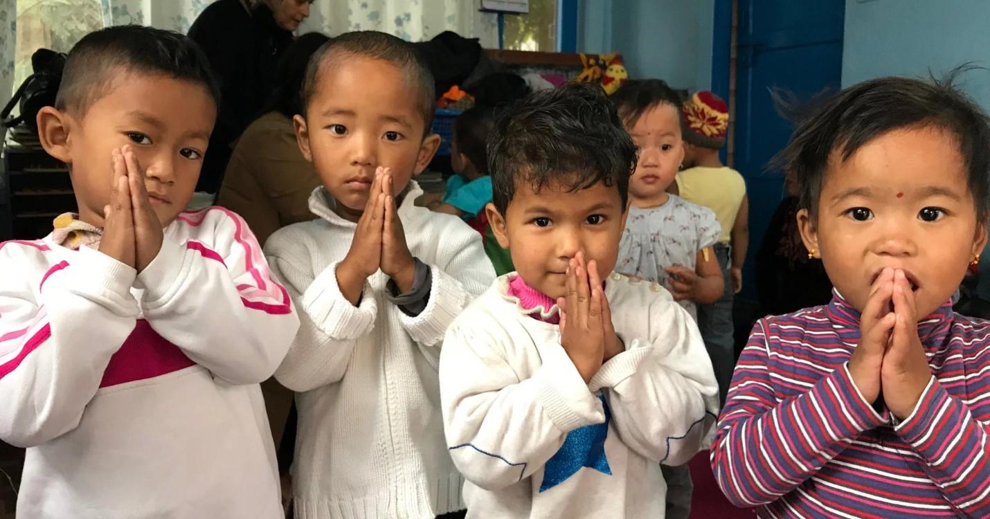 Vente d'uniformes au profit de l'association Mayaa Nepal
