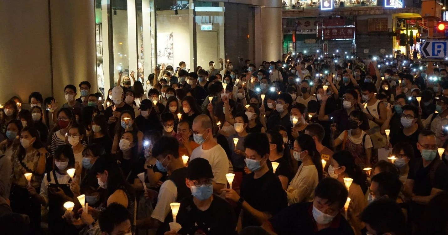 Fermeture de «Pierre», restaurant deux étoiles, commémorations de Tiananmen à Hong Kong