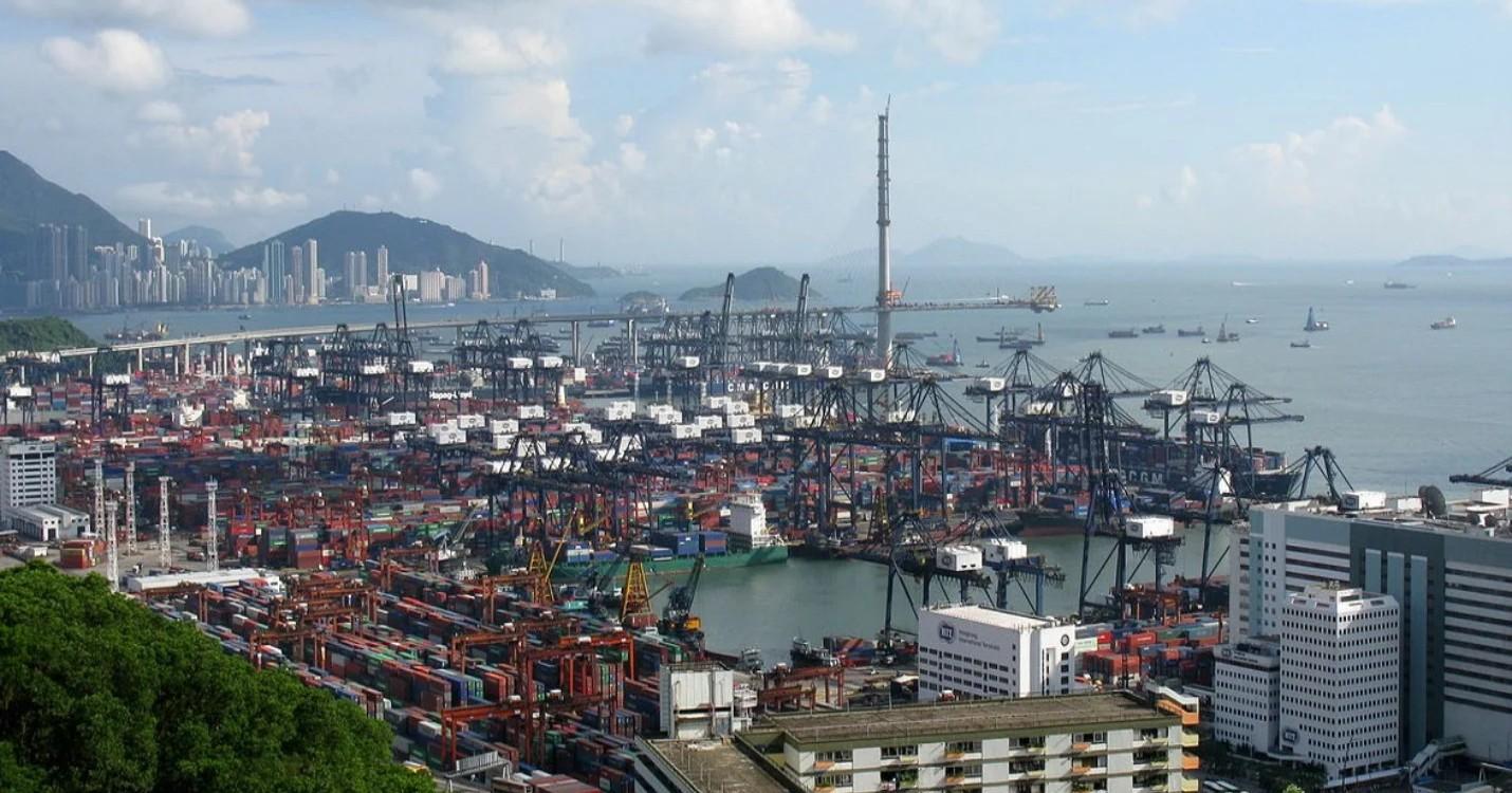 Quarantaine pour 120 employés du port, commémoration de la fin de l'occupation japonaise