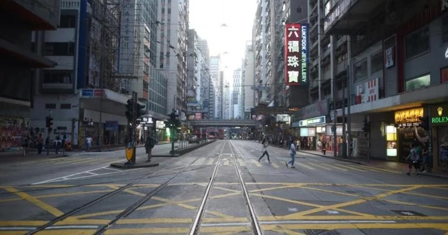 Hong Kong devrait se préparer à davantage de licenciements massifs, retour des lions devant HSBC