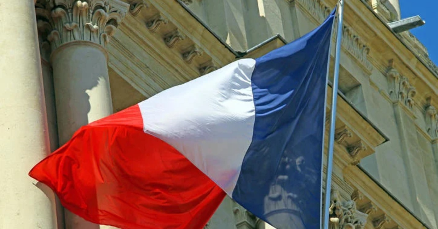 La France inscrite sur la liste des pays à haut risque, hommage à Samuel Paty