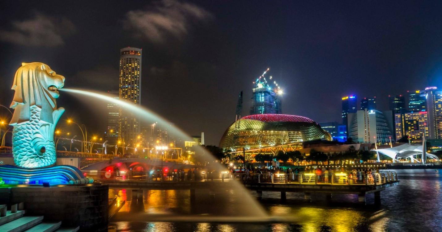 Singapour planifie une bulle de voyage avec HK, le bâtiment du théâtre national acheté aux enchères