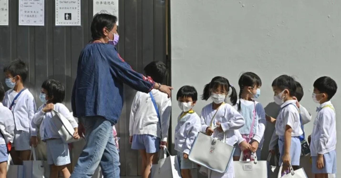 Possible fermeture de certaines classes de primaire, 10.000 patacas versés aux résidents macanais