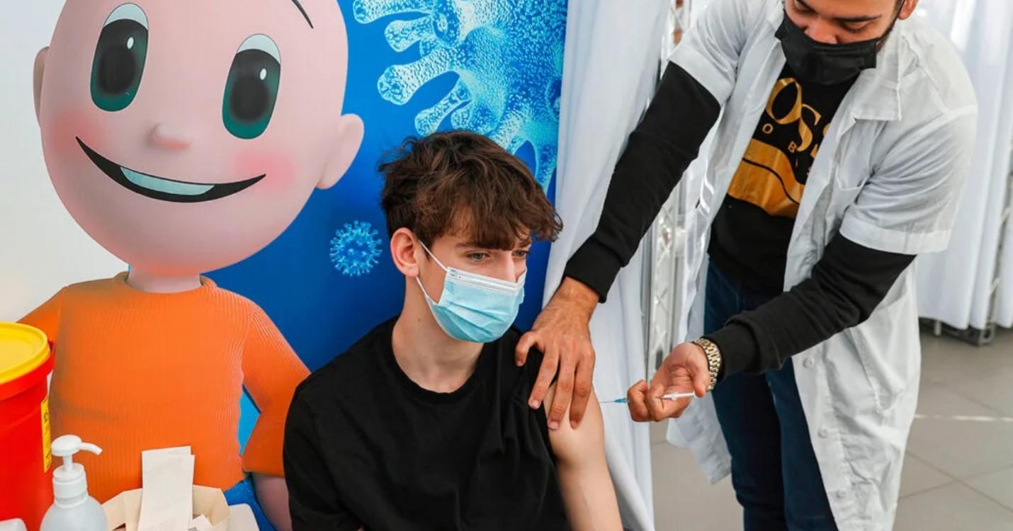 Les vaccins pour les moins de 16 ans à l'étude, les avoirs de Jimmy Lai gelés par Hong Kong