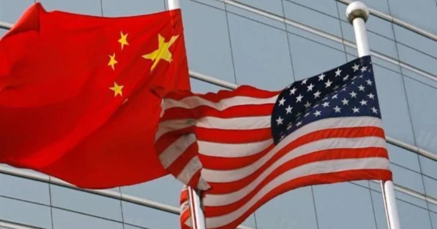 Pour les USA, la Chine agit est «plus agressive», Singapour examine la « bulle de voyage » avec HK