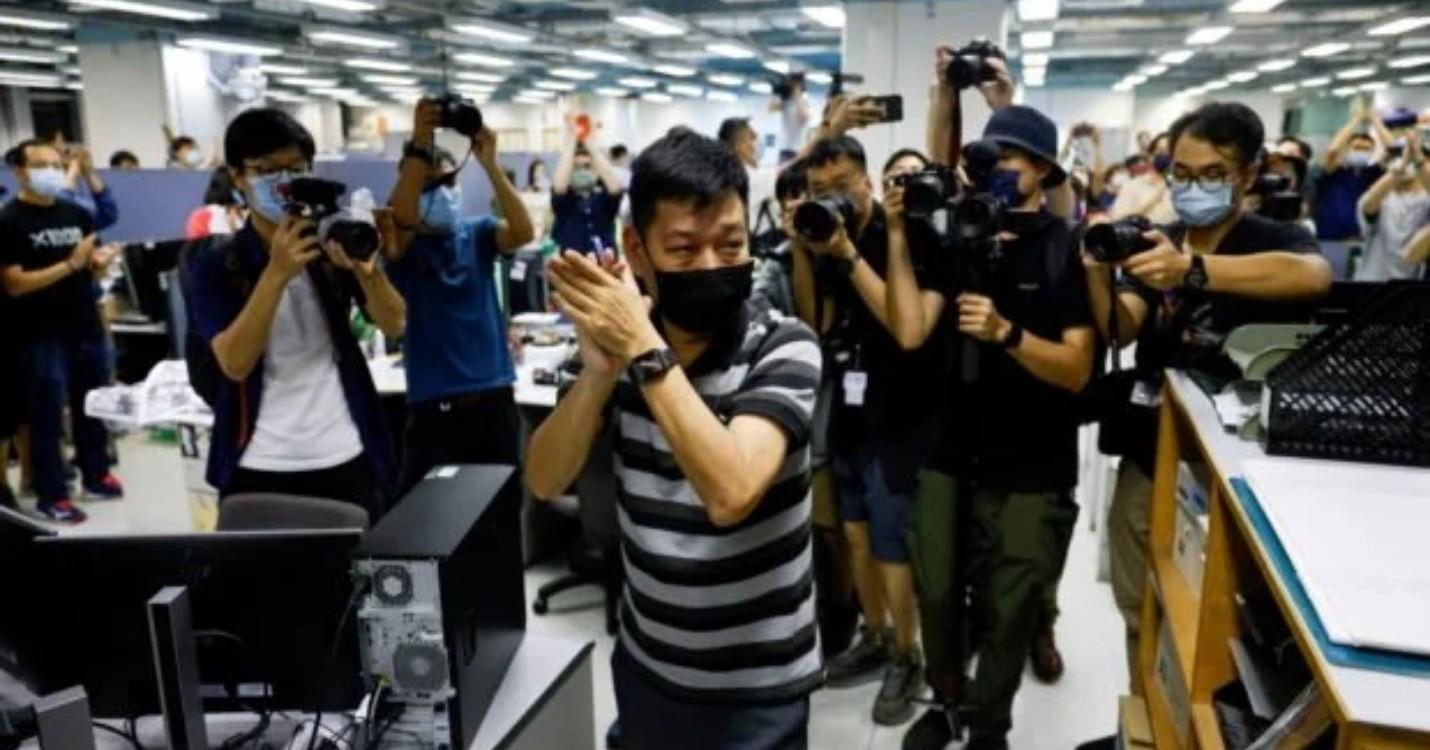 Liberté sous caution refusés pour les cadres de l'Apple Daily, Chine : un train qui file à 600km/h