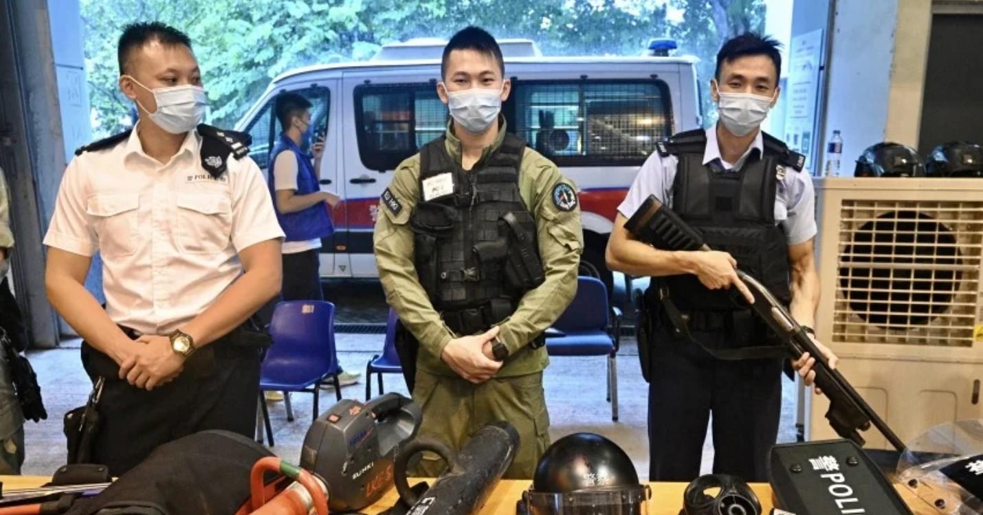Journée porte ouverte de la police avec plus de 1.000 personnes, CHORUS/Theâtre soirée porte ouverte